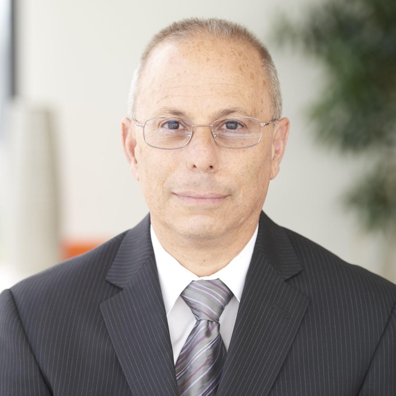 Professor Peter Pitts
